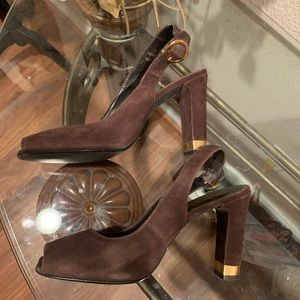 Moda Shoes - Moda brown suede sling back heel with gold accent